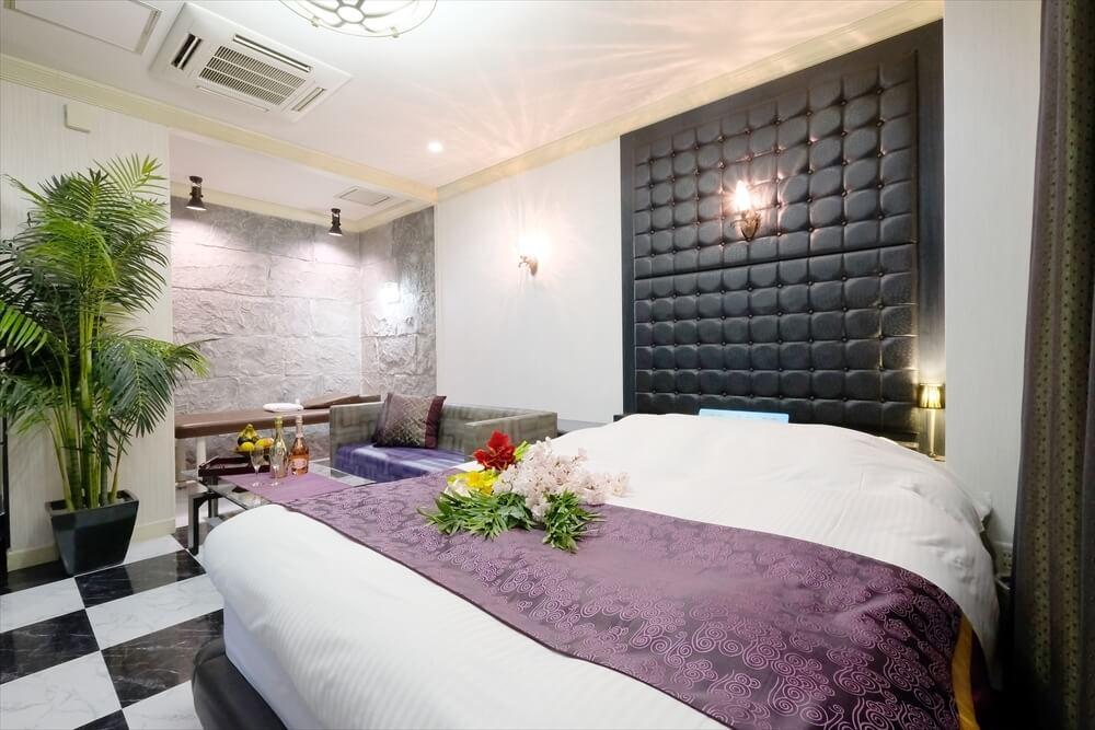 横浜町田ラブホテル 艶 305号室 ベッド