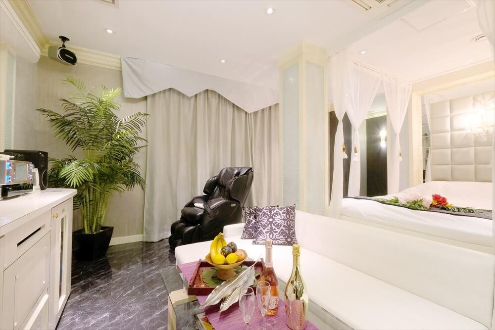 横浜町田ラブホテル 艶 308号室 ベッド